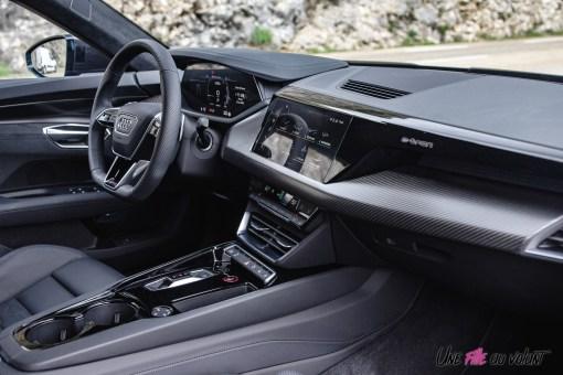 Photo poste de conduite Audi RS e-tron GT 2021