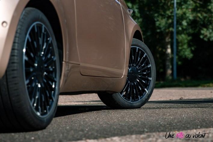 Photo roues Fiat 500 électrique 2021