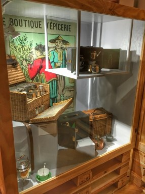 Musée du Bagage Haguenau Photo Céline Schnell Une Fille En Alsace