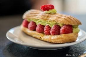 Foodtour l'Alsaciette : Eclair aux fruits à la boulangerie Au Petit Schlitteur - Muhlbach sur Munster