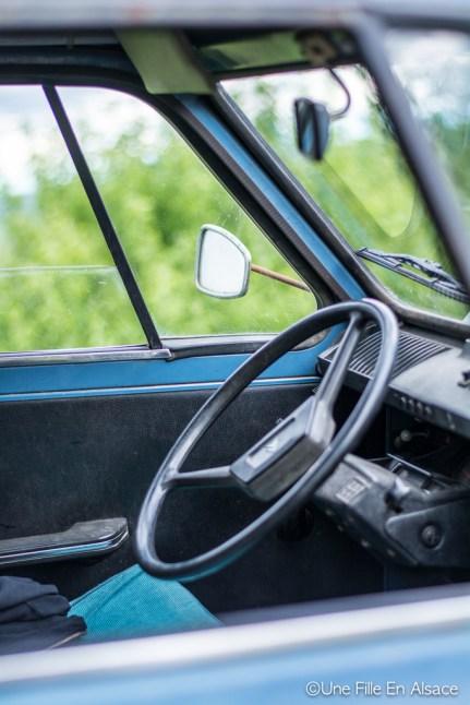 Intérieur de l'Acadiane Auto Rétro Vino Photo Céline Schnell - Une Fille En Alsace