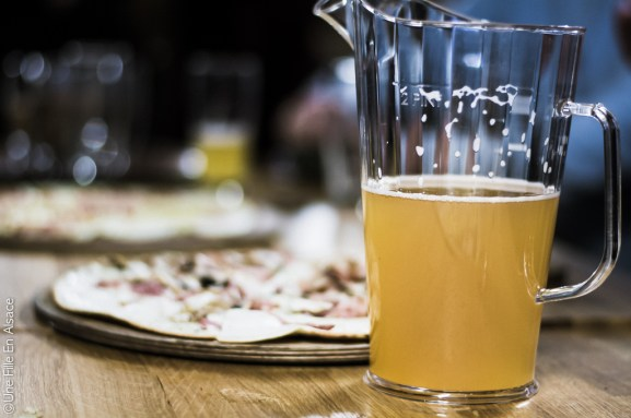 Dégustation bière et tarte flambée Au brasseur à Strasbourg - Photo Céline Schnell Une Fille En Alsace