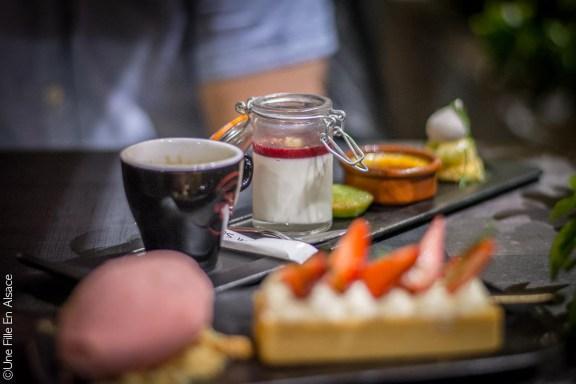 Café gourmand au Restaurant le Cordon Rouge à Furdenheim - Photo Céline Schnell Une Fille En Alsace