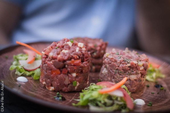 Tartare de boeuf au Restaurant le Cordon Rouge à Furdenheim - Photo Céline Schnell Une Fille En Alsace