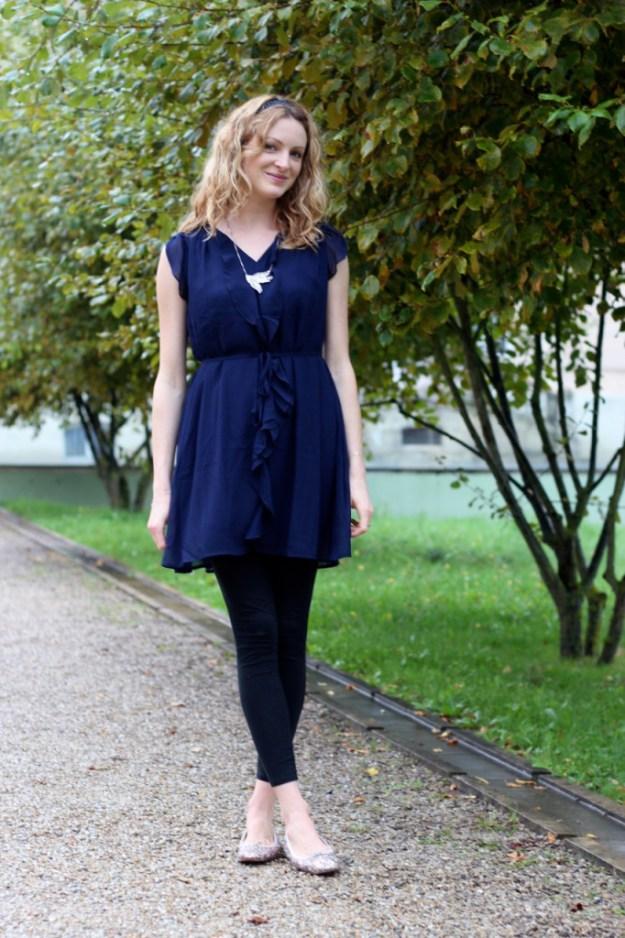 En robe bleue