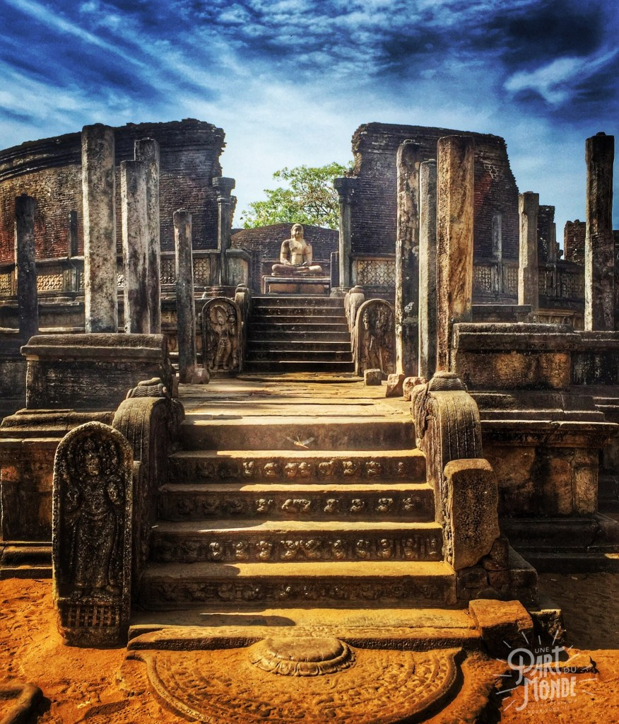 3 semaines au sri lanka site-bouddha-polunnaruwa