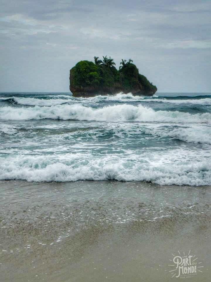 puerto viejo rocher plage