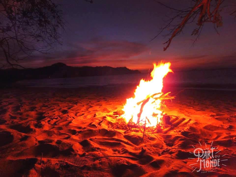 bucket list nuit à la belle étoile sur la plage costa rica