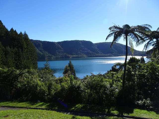 Picture-fun-things-tod-lake-Tikitapu