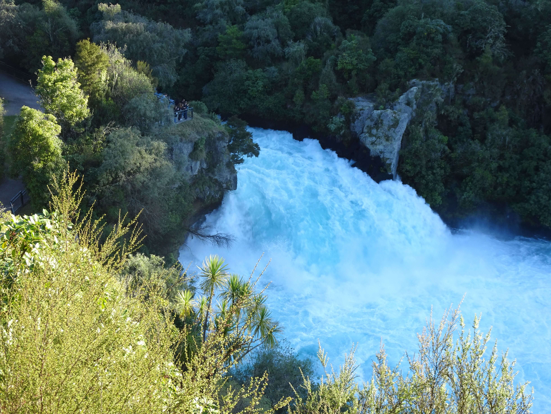 Picture-Huka-falls-New-Zealand