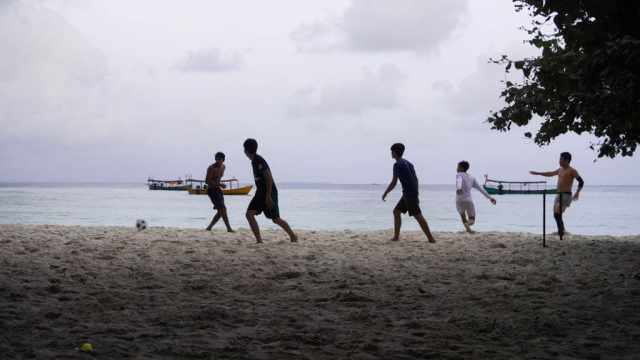 Koh Rong Cambodia - football players on the beach
