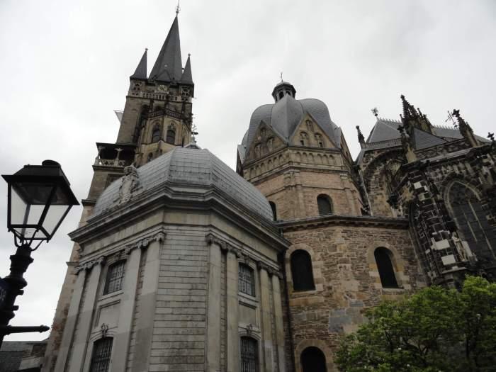 Kathedraal van Aken met in het midden de hofkapel