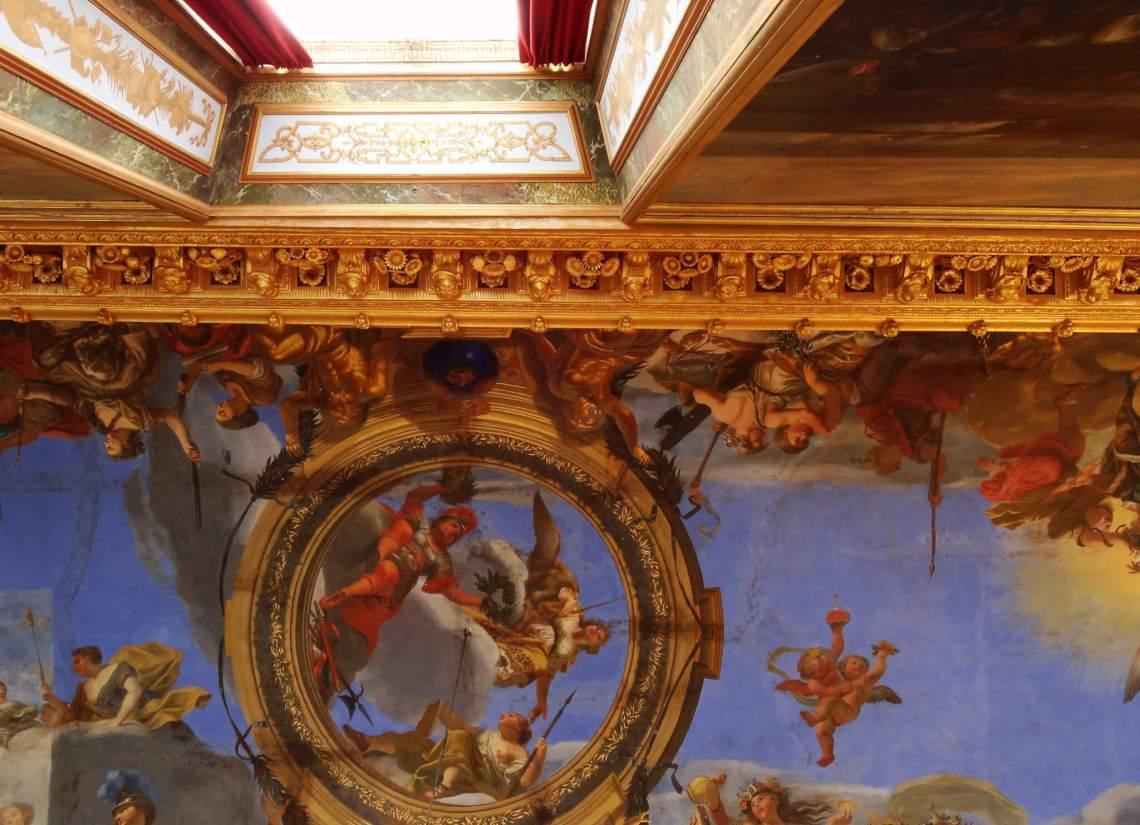 DrottningholmKunstzinnig fresco van hemelfiguren op plafond Drottningholm