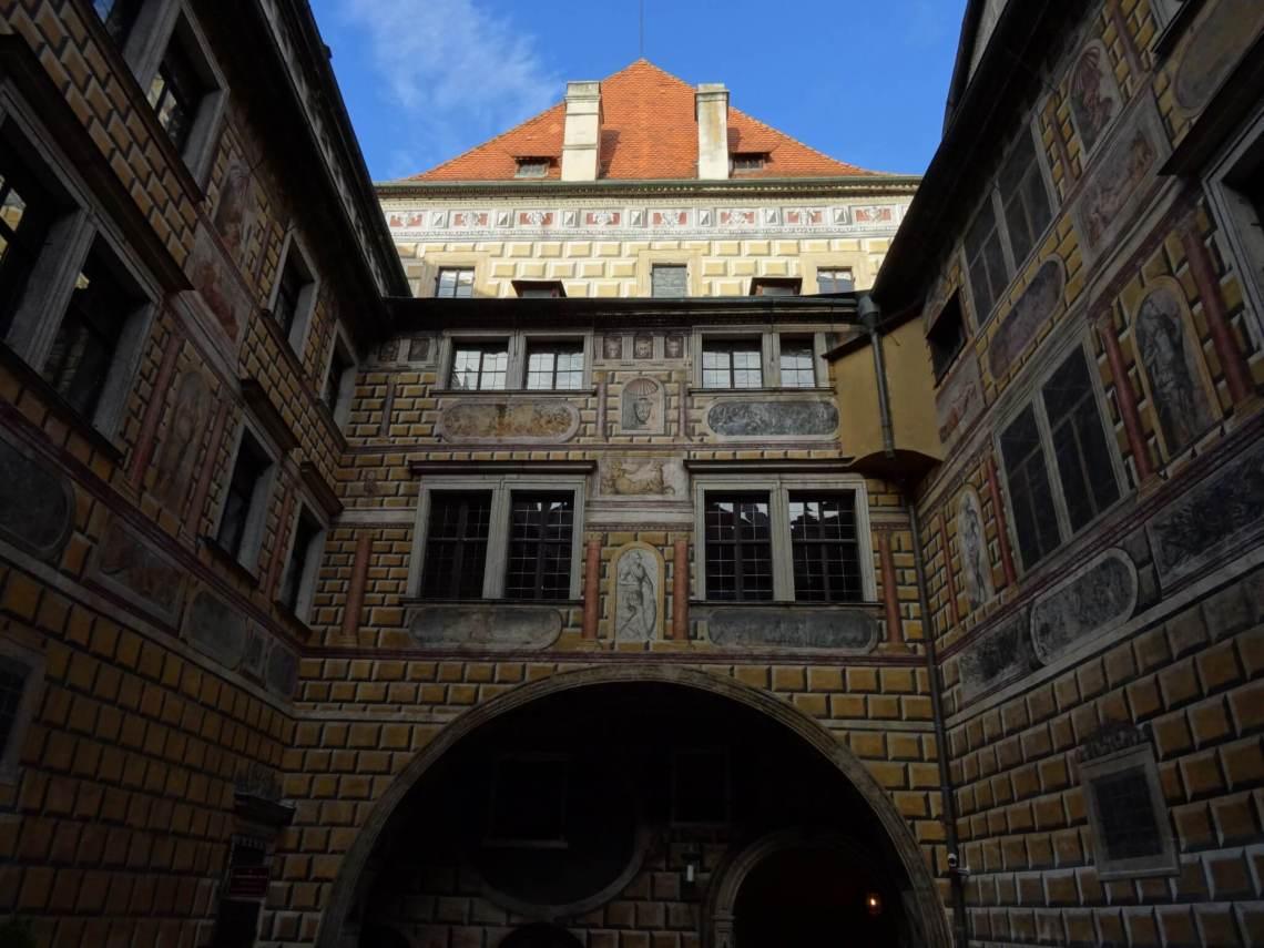 Kasteel in Český Krumlov met sgraffito op de gevel