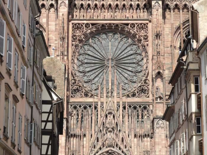 Doorkijkje naar gotische kathedraal Straatsburg
