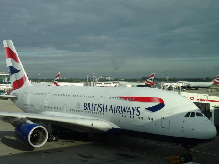Vliegtuig van British Airways staat klaar