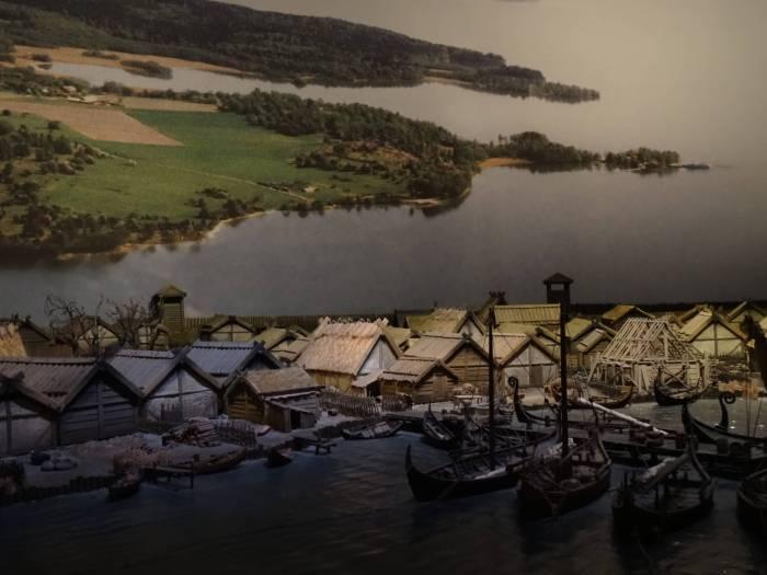 Schaalmodel van havenstad Birka