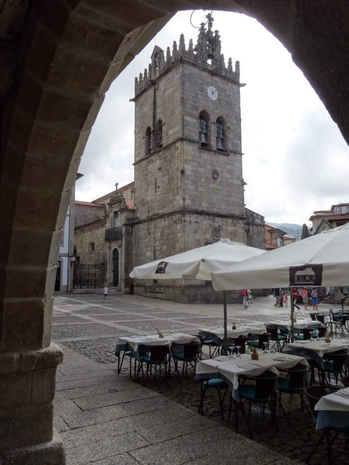 Kerk-van-Onze-Lieve-Vrouw-van-de Olijfboom in Guimarães