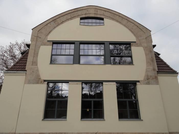 Vooraanzicht kunstnijverheidsschool in Weimar in Jugendstil
