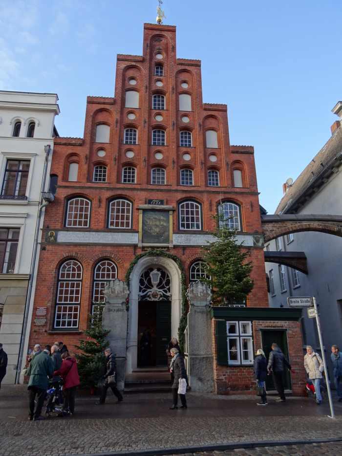 Gotisch huis in rode baksteen en trapgevel