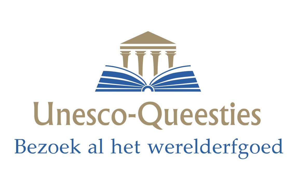 Logo Unesco-queesties met Griekse tempel boven een opengeslagen boek