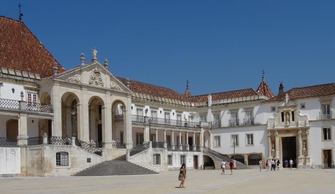 Geschiedenisleraar universiteit Coimbra tart lot studente