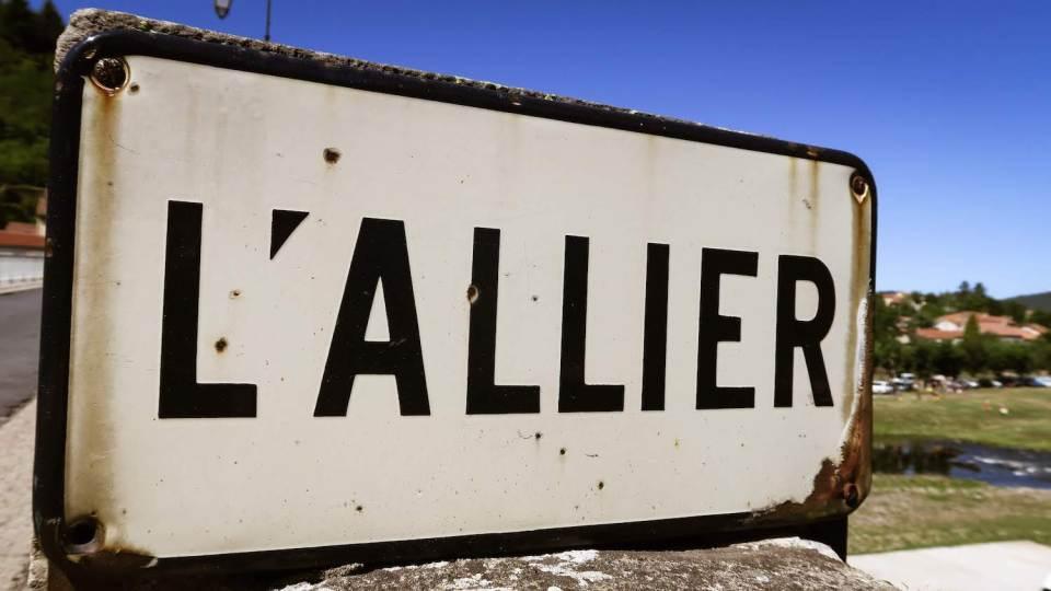 Panneau de la rivière Allier à Lavoûte-Chilhac