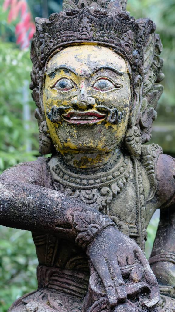 Énigmatique statue balinaise