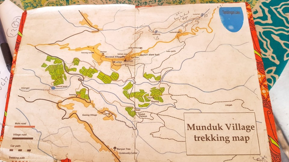 La carte des sentiers de randonnée autour de Munduk.