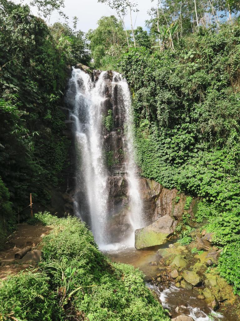 La cascade Golden Valley Waterfall à Munduk