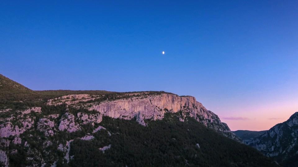 Coucher de soleil sur le Verdon et lever de lune