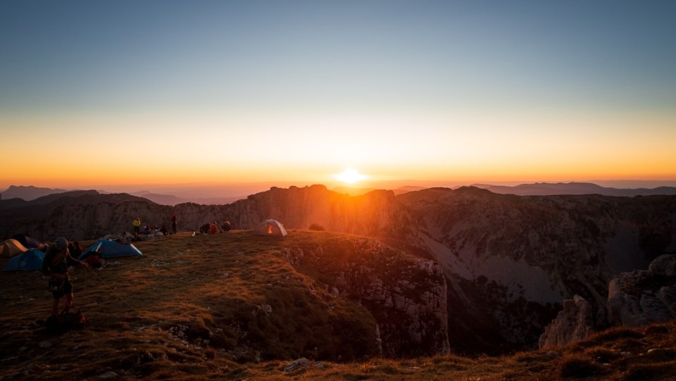 Coucher de soleil flamboyant vu du sommet du Mont Aiguille, Vercors