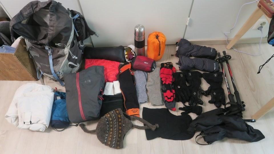 Matériel de trek pour randonnée en raquettes en Laponie finlandaise