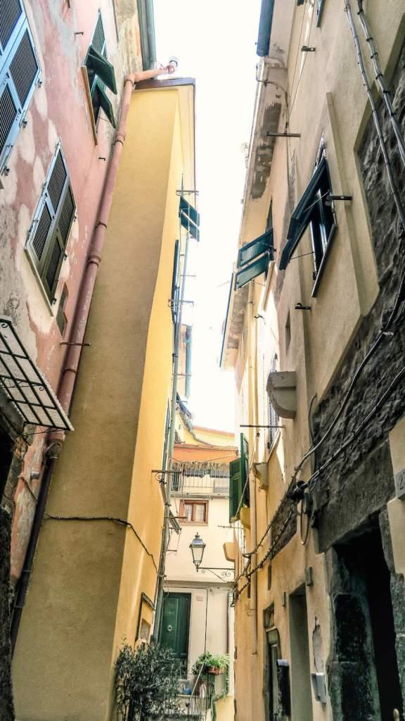 Ruelle étroite à Vernazza, Cinque Terre