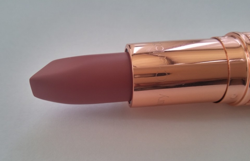 Charlotte Tilbury Pillow Talk Lipstick swatch