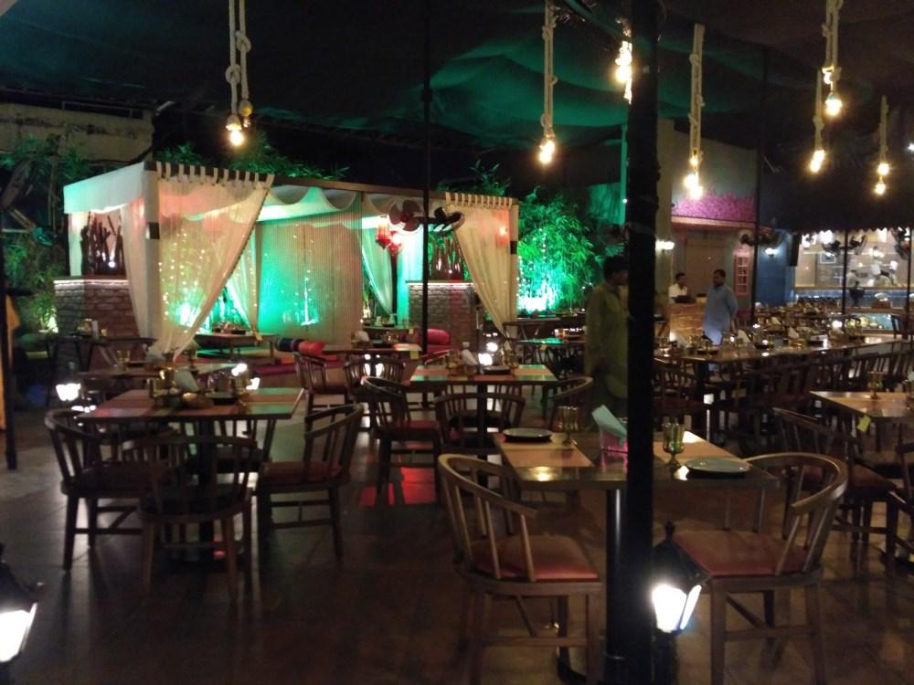Restaurant in Thane