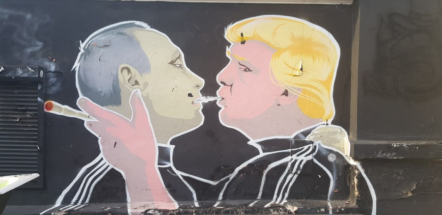 'Make everything great again graffiti' in Vilnius