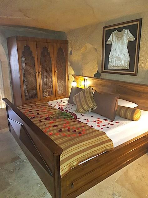 Traditional decor in Kayakapi hotel