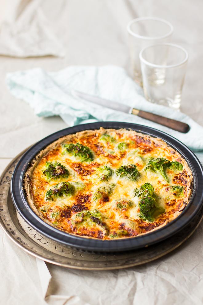 quiche-brocolis-cheddar-plat