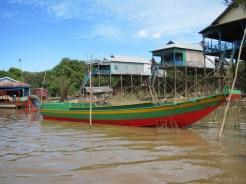 Kampung Phlok. The water is muddy brown, but the colors emerge elsewhere.Kampung Phlok