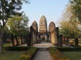 Sukhothai, Wat Si Sawai (12-13 c.). Originally built by the Khmers as a Hindu temple (hence its Angkorian look).