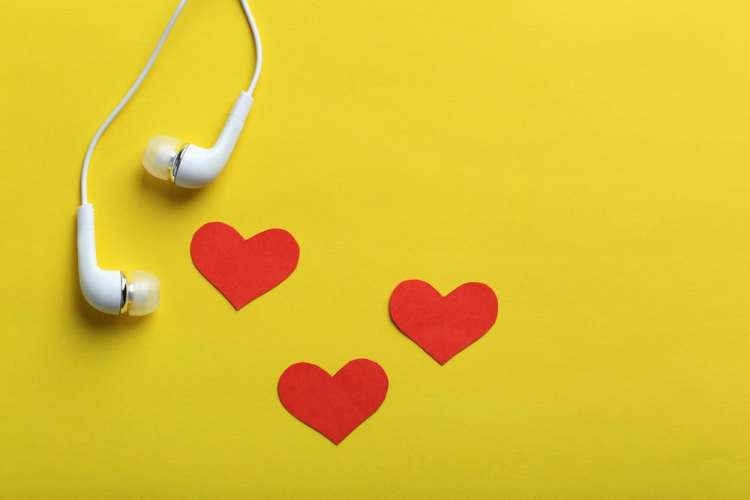 headphones to listen to podcasts for stay at home moms