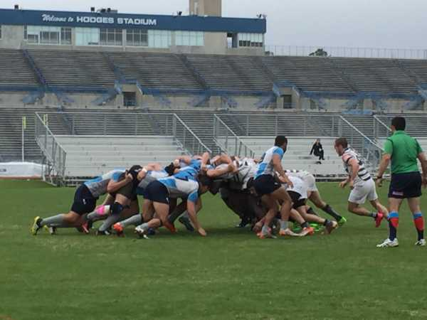 North Florida engages in a scrum during a penalty against Eckerd. Photo by Jordan Perez