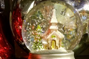 Shattering Snow Globes