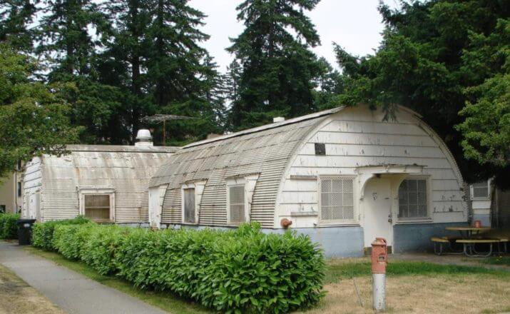 Living in a quonset hut great idea for a tiny house quonset hut vs pole barn solutioingenieria Image collections