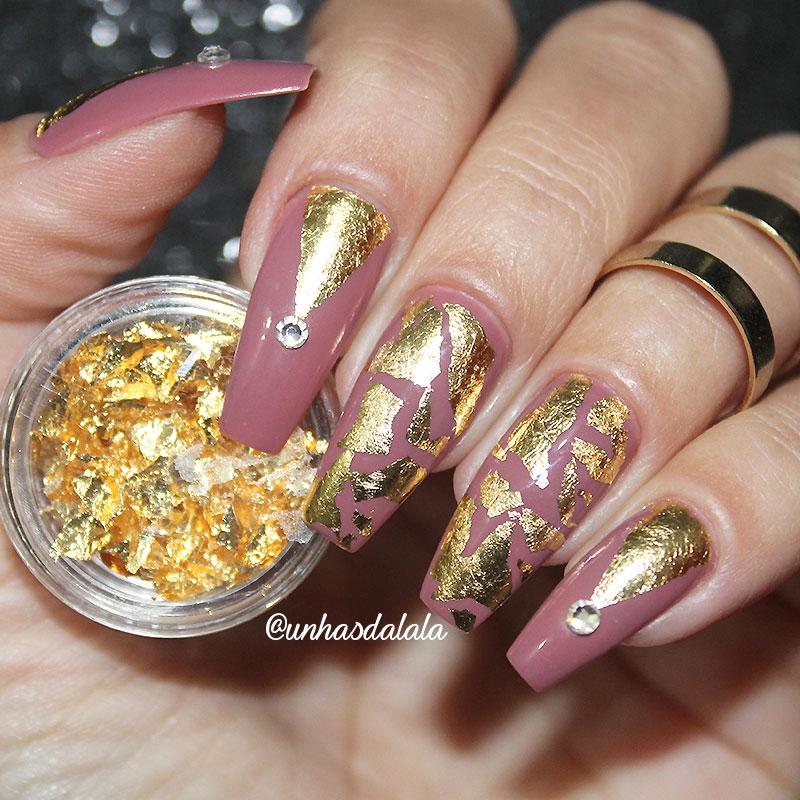 Unhas Decoradas com Folha de Ouro