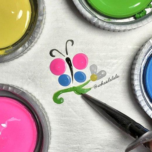 desenhando borboleta + flor