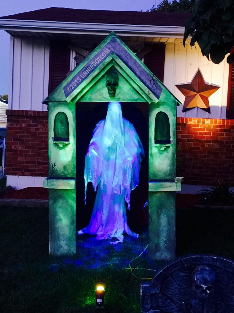How to Build a Halloween Mausoleum! (5/6)