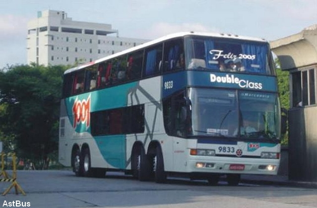 Os ônibus Double Decker das empresas 1001 e Nordeste