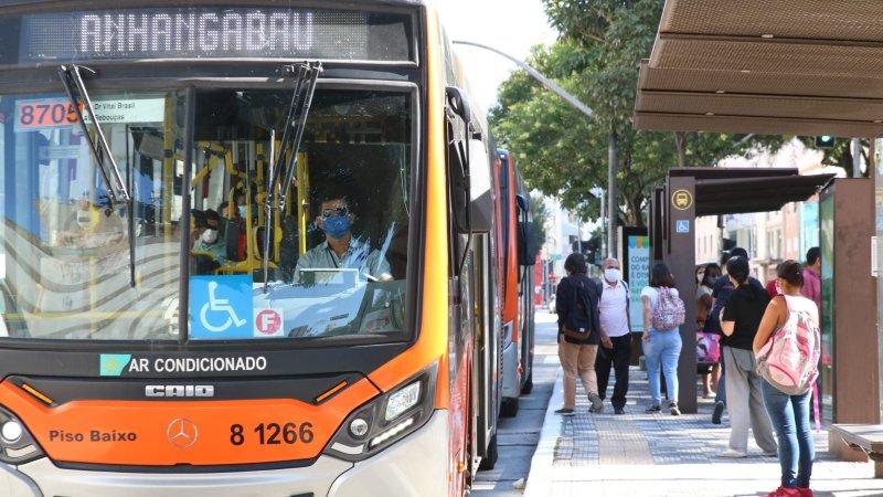 Justiça autoriza fim da gratuidade para maiores de 60 anos em ônibus de SP